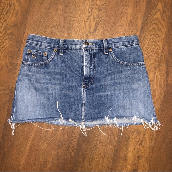 Marc Jacobs Dresses & Skirts - Marc Jacobs Jean mini skirt. Size 4.